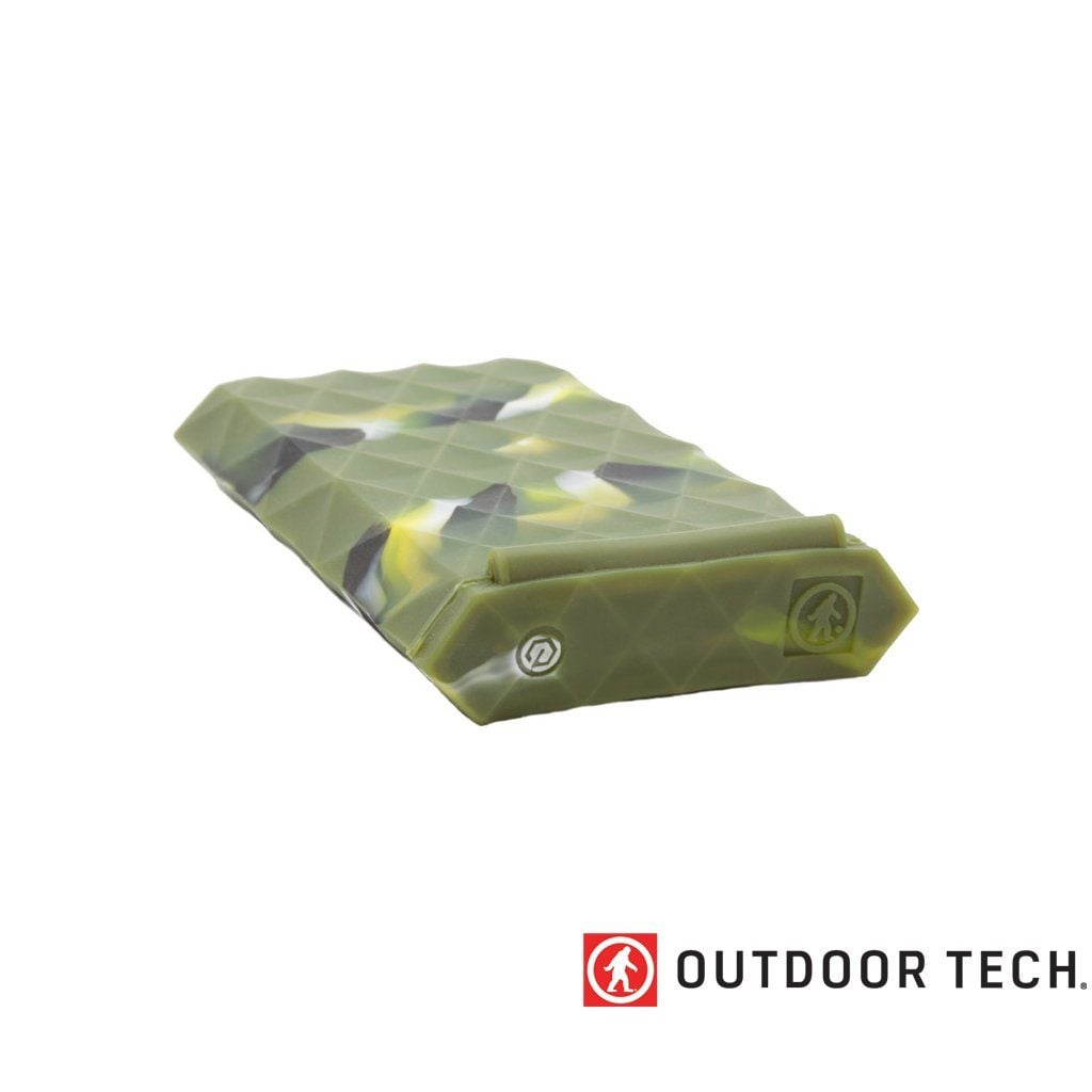 Outdoor Technology Kodiak Plus - Powerbank Rugged Outdoor Charger - 10 K - Camouflage